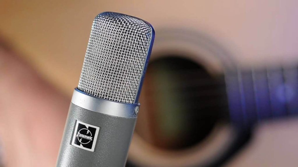 picking the best condenser microphone when building music studio - best band for the buck