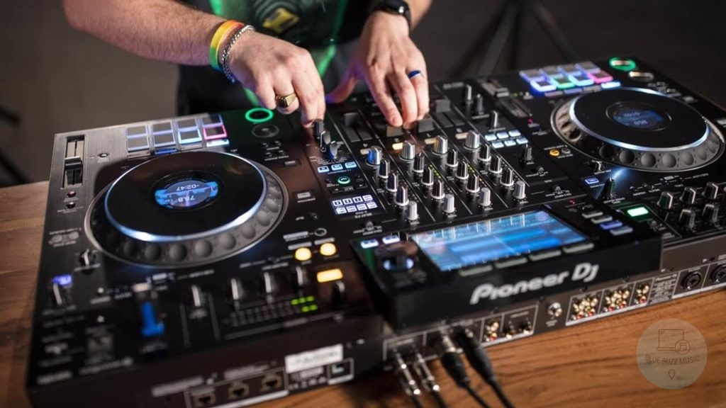 How Do Standalone Mixers Work