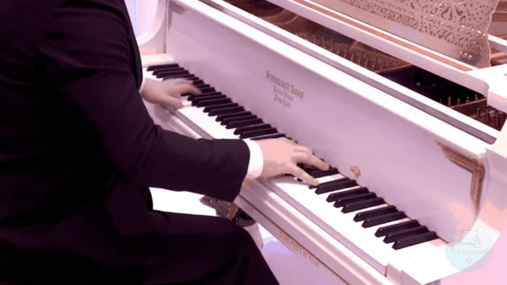 What Makes a Piano a Great Instrument - easy piano songs that sound complicated for beginners