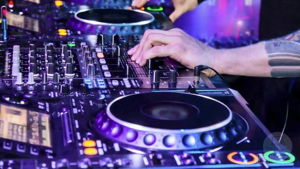 Buyers Guide- Best USB Controllers for Djing