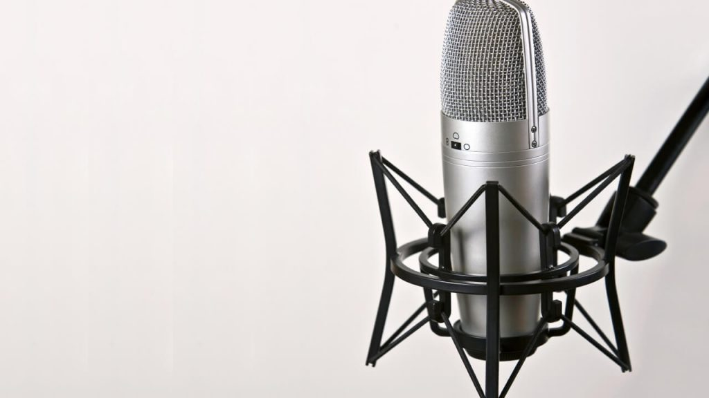 Things To Consider When Buying a Budget Condenser Mic For Vocals - condenser microphone vs dynamic