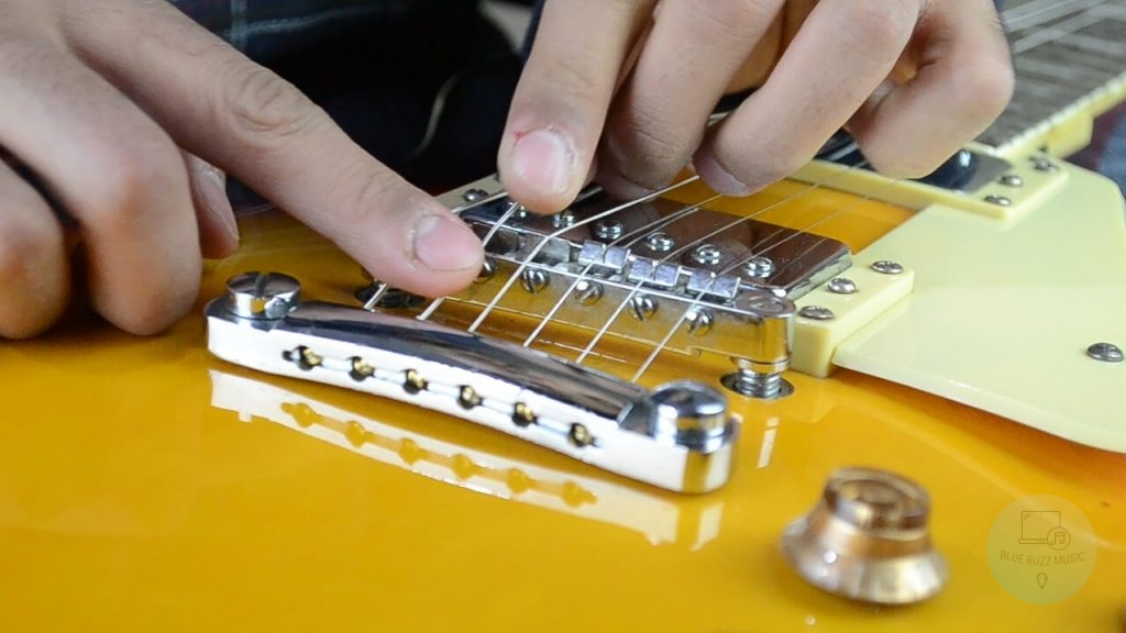 How To Tune a Guitar Properly (and other questions)