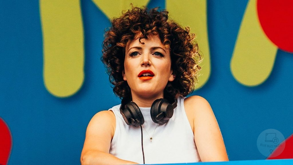 Annie Mac uk female dj