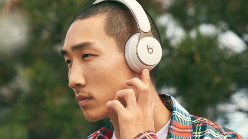 why Some DJs Only Wear One Side of their Headphones - why only one earcup