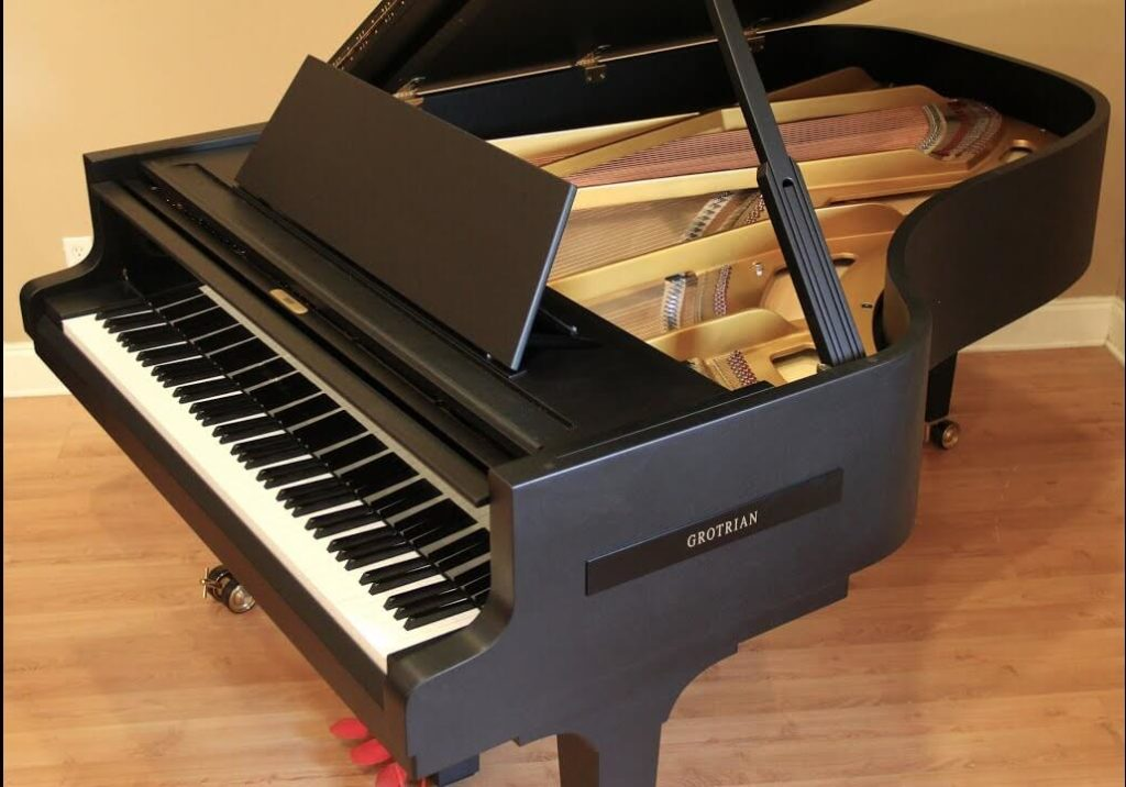 Parlor Grand Piano dimensions and prices - smallest grand piano type