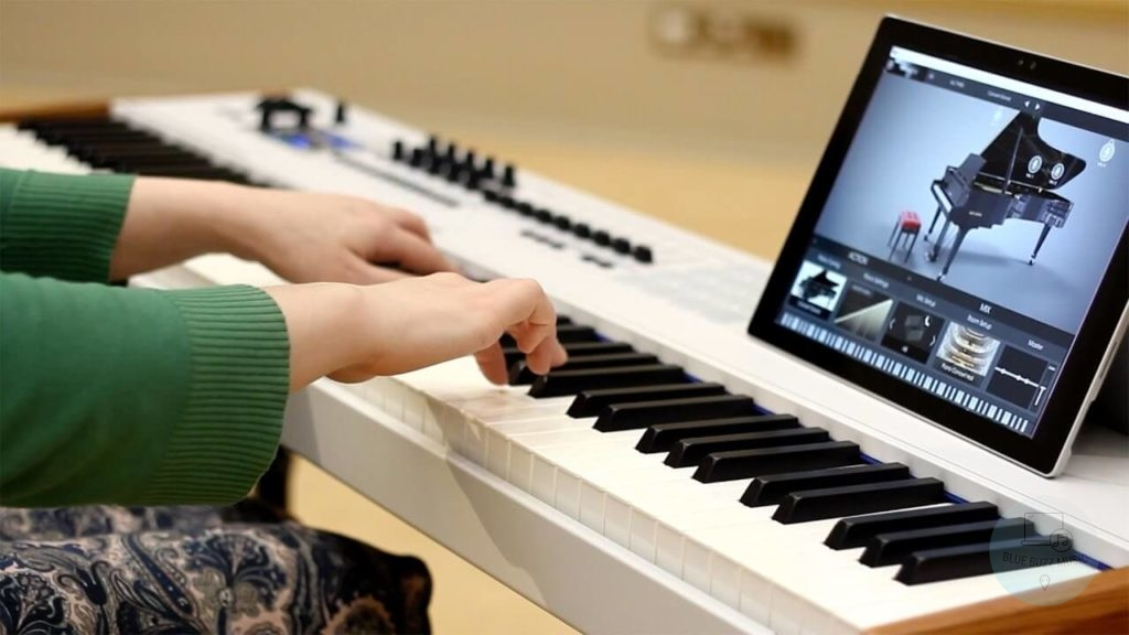 Piano vs Keyboard - comparison, different types