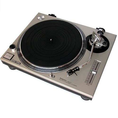 Panasonic Technics 1200 Series - best dj turntable for vinyl under 500