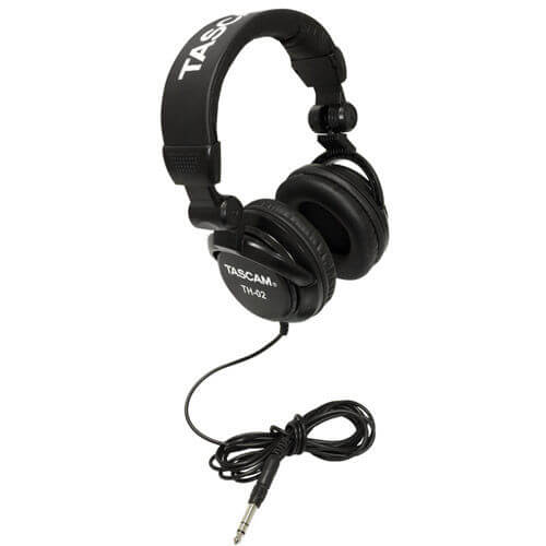 Tascam TH 02 Vs TH 03 - which headphones are better for sound, bass, sound isolation